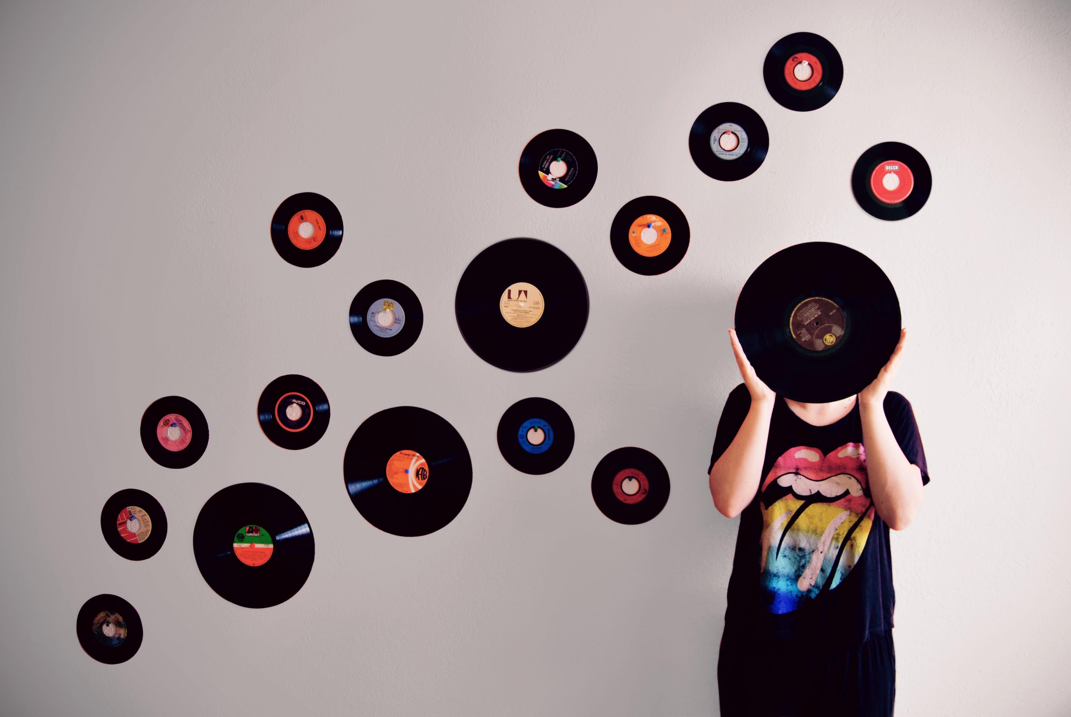 vinyl_vesna_tiricovska